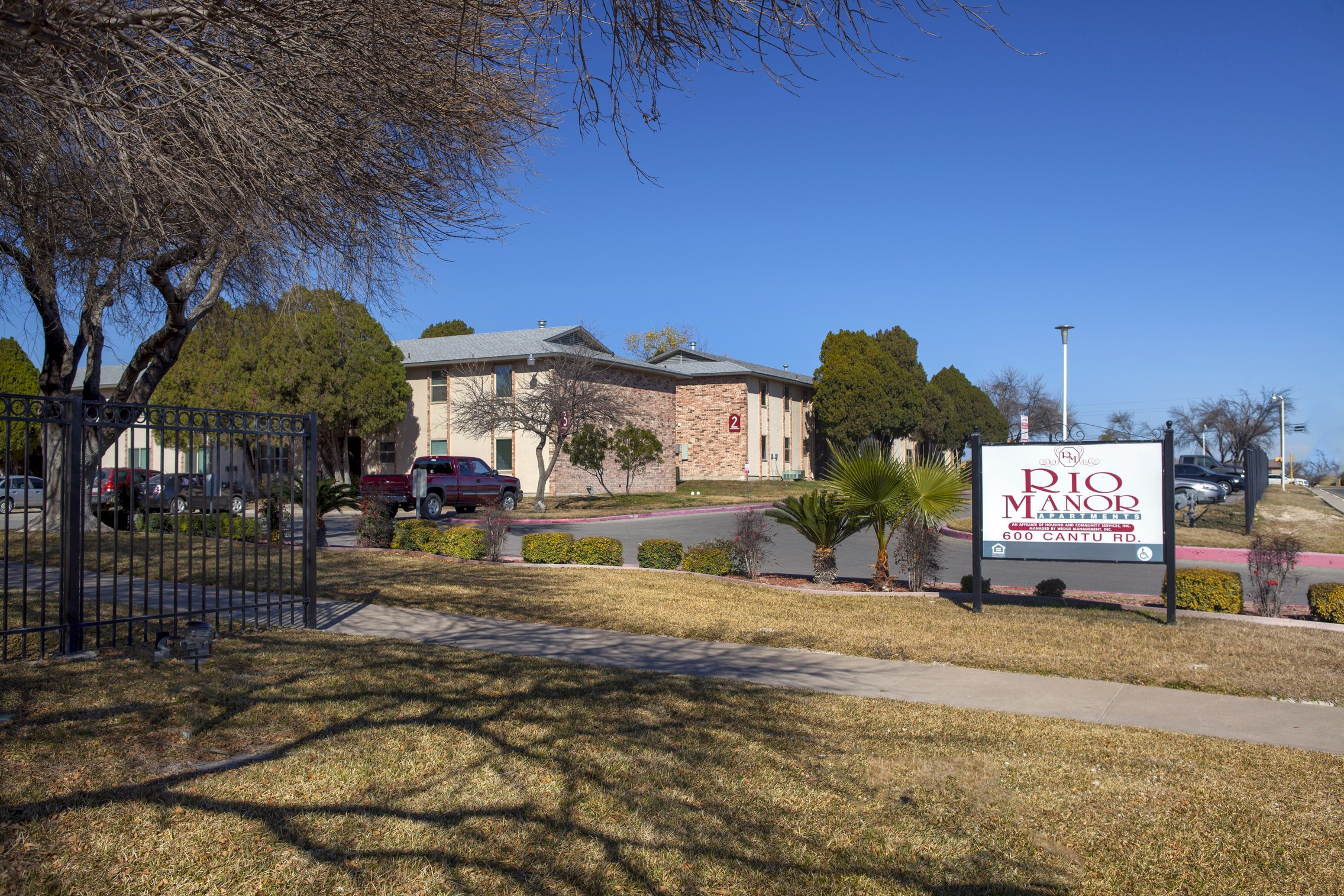 Rio Manor Apartments