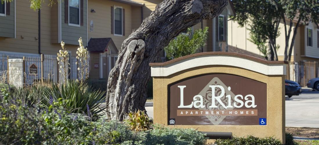 La Risa Apartments