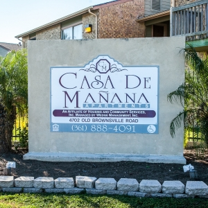 Casa de Manana Apartments