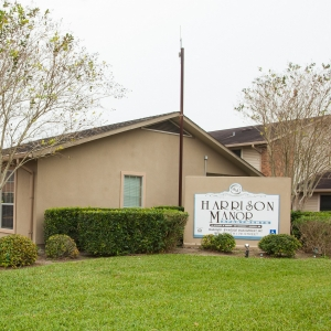 Harrison Manor Apartments